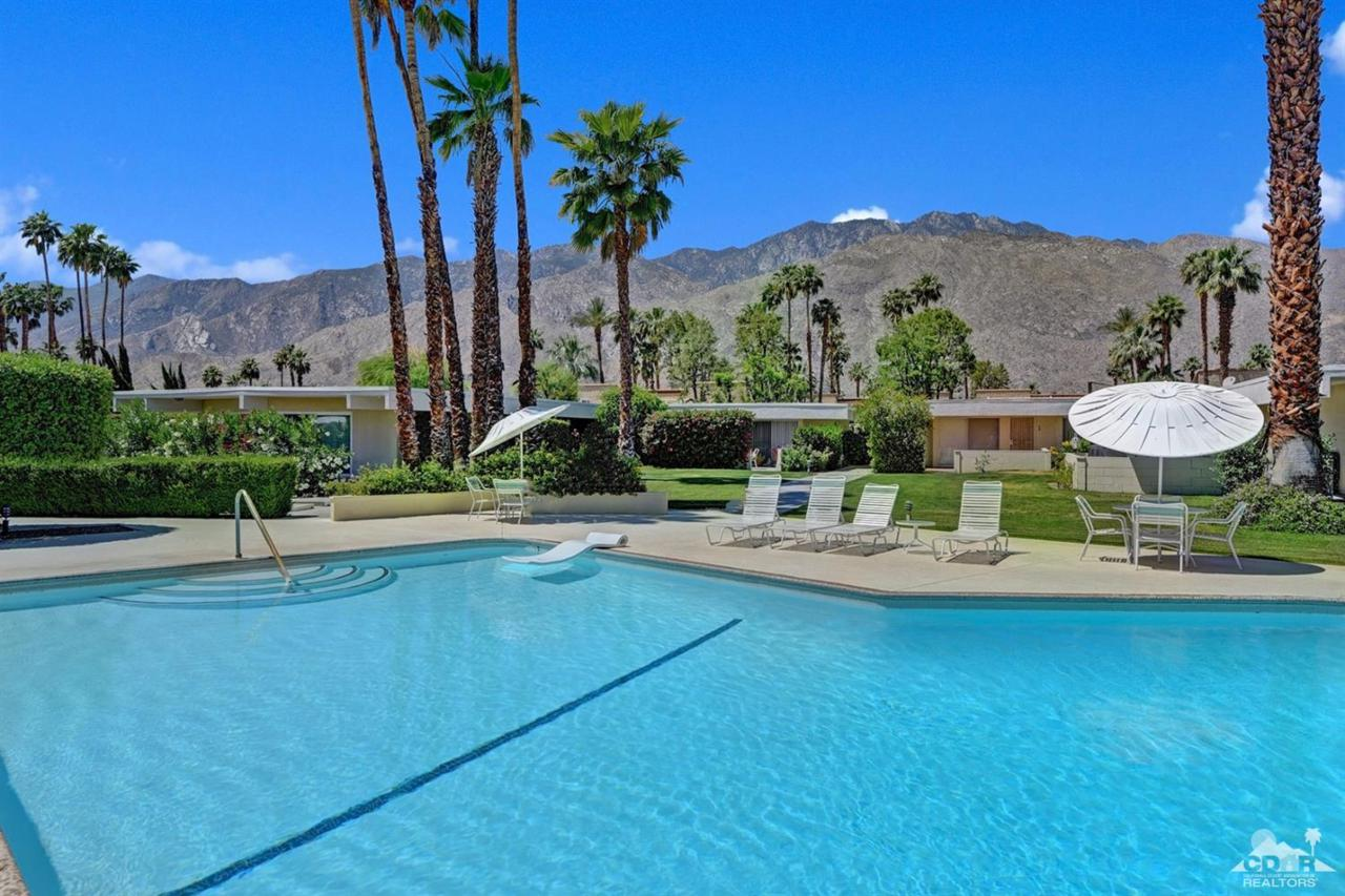1855 E Ramon Road #11, Palm Springs, CA 92264 (MLS #217012160) :: Brad Schmett Real Estate Group