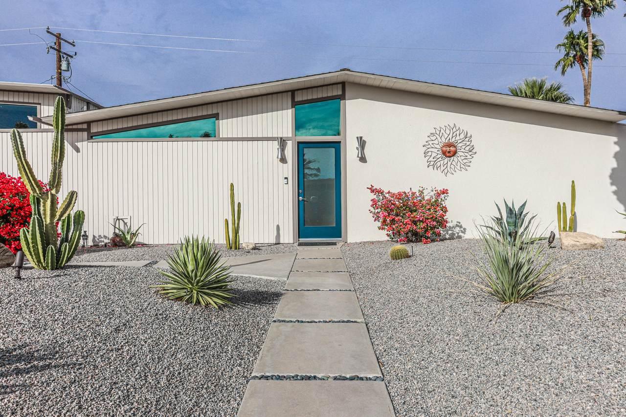 402 Desert Willow Circle - Photo 1