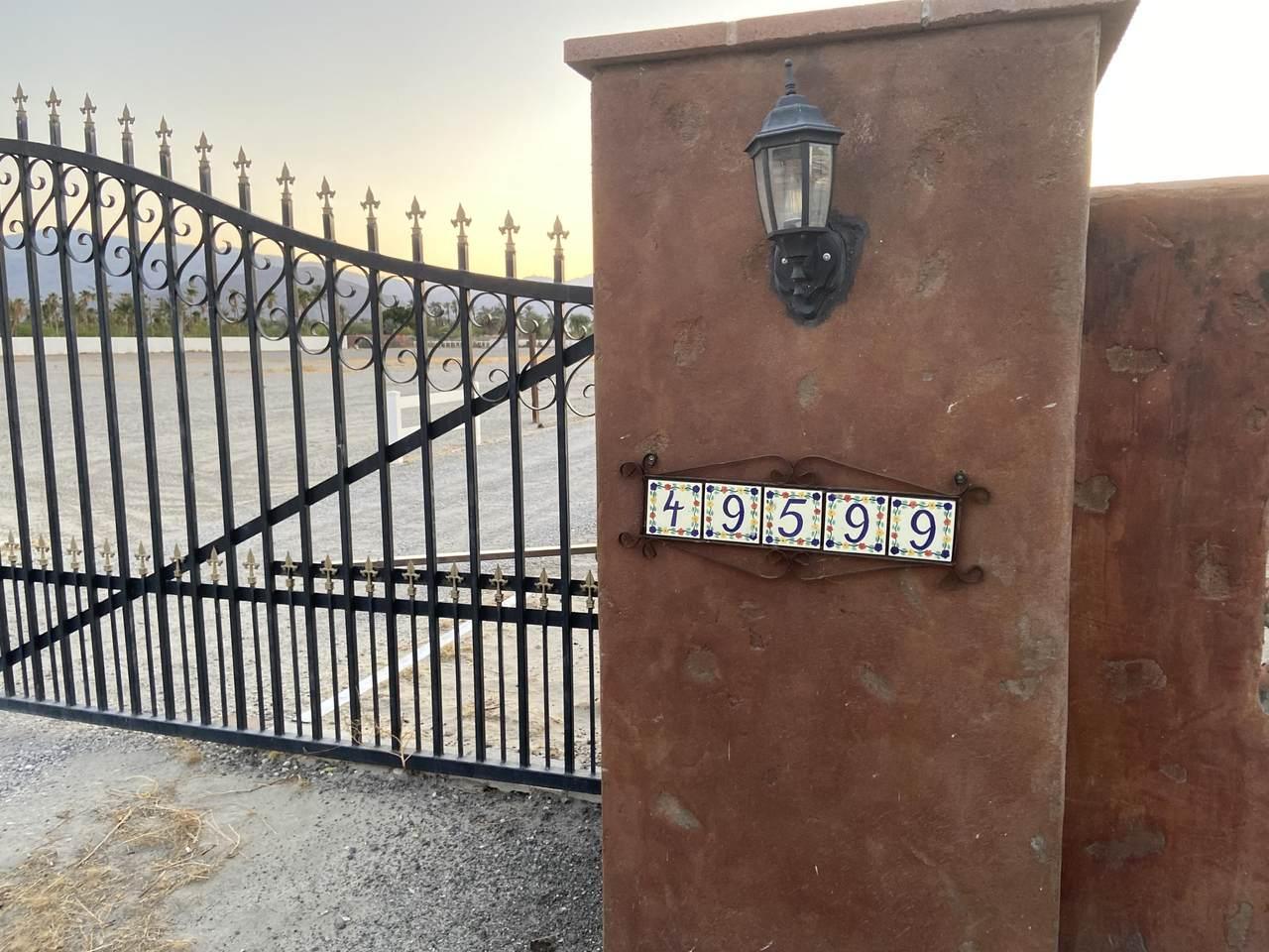 49599 Monroe Street - Photo 1