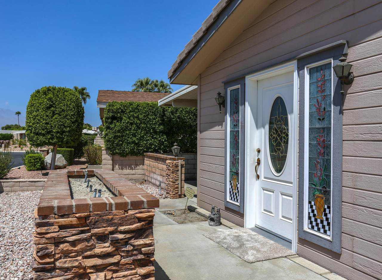 73878 Seven Springs Drive - Photo 1