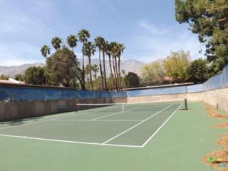 2821 W Los Felices Circle K206, Palm Springs, CA 92262 (MLS #17226036PS) :: Brad Schmett Real Estate Group