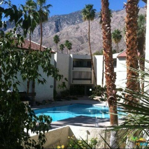 1552 S Camino Real #230, Palm Springs, CA 92264 (MLS #17254868PS) :: Brad Schmett Real Estate Group