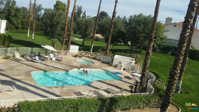 612 Vista Lago Circle, Palm Desert, CA 92211 (MLS #17261168PS) :: Team Michael Keller Williams Realty