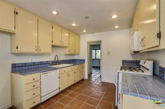 850 N Calle Quetzal, Palm Springs, CA 92262 (MLS #17265914PS) :: Team Wasserman