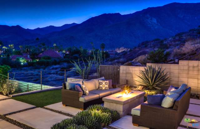 2805 S Palm Canyon Drive, Palm Springs, CA 92264 (MLS #19447062) :: The John Jay Group - Bennion Deville Homes