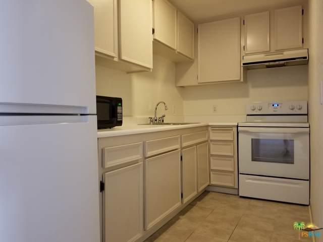 2875 N Los Felices Road #214, Palm Springs, CA 92262 (MLS #19509392) :: The John Jay Group - Bennion Deville Homes