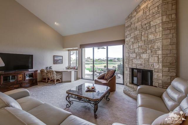 55764 Oak Tree B30, La Quinta, CA 92253 (MLS #217034388) :: Brad Schmett Real Estate Group