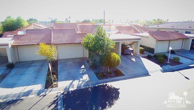 82303 Cochran Drive, Indio, CA 92201 (MLS #218001822) :: Deirdre Coit and Associates