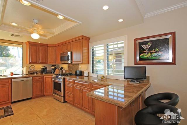 285 Castellana N, Palm Desert, CA 92260 (MLS #218002428) :: Brad Schmett Real Estate Group