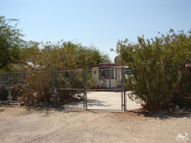 2595 Pioneer Avenue, Salton City, CA 92274 (MLS #218021780) :: Brad Schmett Real Estate Group