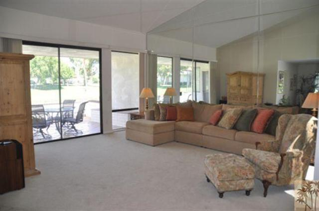 40 Avenida Las Palmas, Rancho Mirage, CA 92270 (MLS #218023904) :: The John Jay Group - Bennion Deville Homes