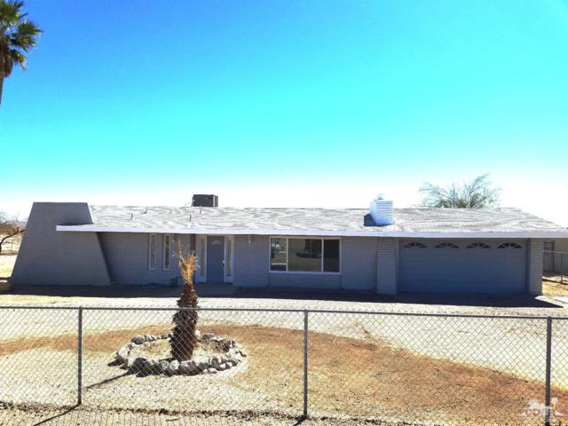 1453 S Marina  (Pool) Drive, Salton City, CA 92275 (MLS #218025514) :: The John Jay Group - Bennion Deville Homes