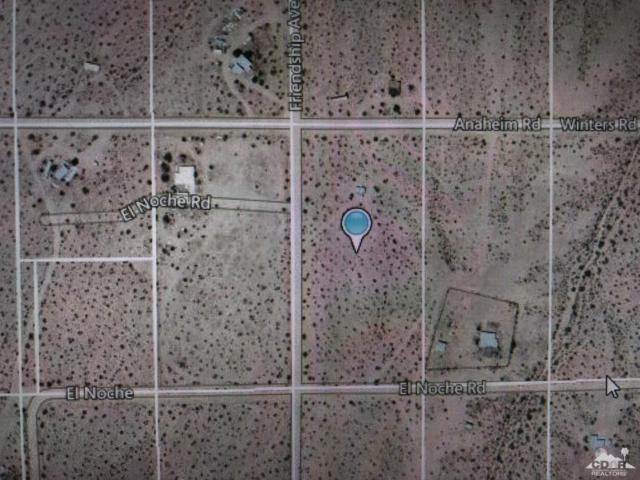 0 5 Acres, Landers, CA 92285 (MLS #218026966) :: Team Wasserman