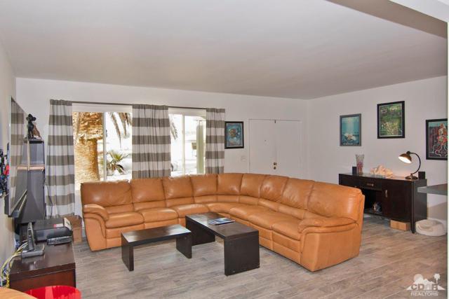 74225 Fairway Drive, Palm Desert, CA 92260 (MLS #219002135) :: Brad Schmett Real Estate Group