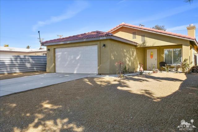 66576 Estrella Avenue, Desert Hot Springs, CA 92240 (MLS #219008423) :: The Jelmberg Team