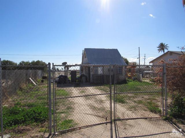 2262 Mckinley Drive, Blythe, CA 92225 (MLS #219015361) :: The John Jay Group - Bennion Deville Homes