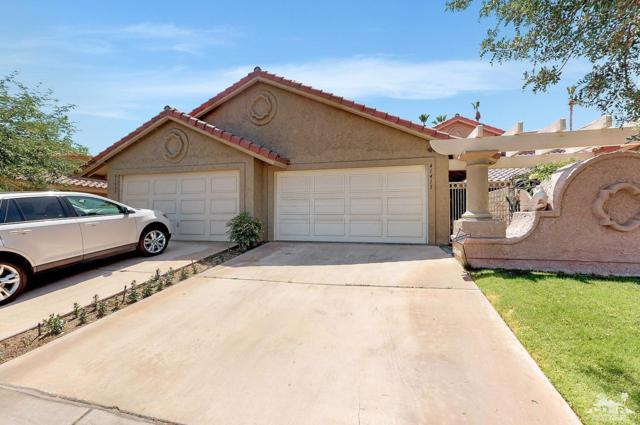 41415 Woodhaven Drive E, Palm Desert, CA 92211 (MLS #219017125) :: The Sandi Phillips Team