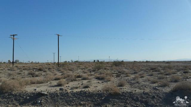 2449 Sea Place Street, Salton City, CA 92274 (MLS #219018955) :: Brad Schmett Real Estate Group
