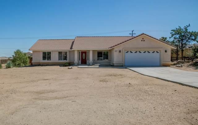 7437 Camarilla Avenue, Yucca Valley, CA 92284 (MLS #219030304) :: The Jelmberg Team