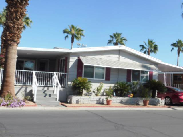 51555 Monroe Street #52, Indio, CA 92201 (MLS #219031512) :: The Sandi Phillips Team