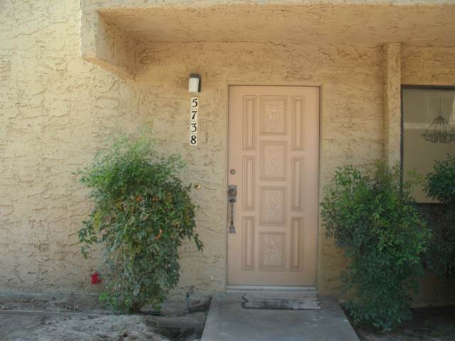 5738 Los Coyotes Drive, Palm Springs, CA 92264 (MLS #219031785) :: The Sandi Phillips Team