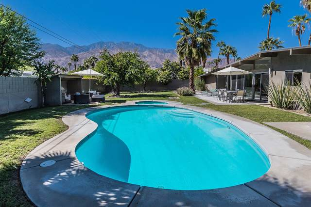 2835 E Plaimor Avenue, Palm Springs, CA 92262 (MLS #219031820) :: Brad Schmett Real Estate Group