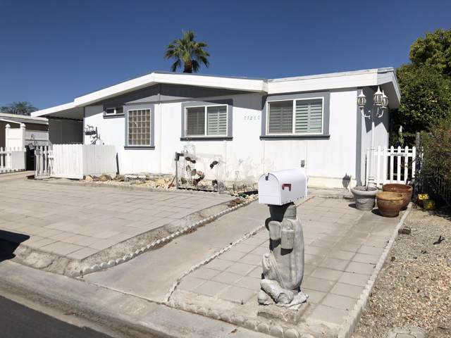 73050 Adobe Springs Drive, Palm Desert, CA 92260 (MLS #219032203) :: The Jelmberg Team