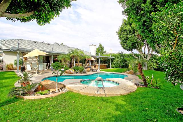 52 Sutton Place, Palm Desert, CA 92211 (MLS #219034157) :: Brad Schmett Real Estate Group