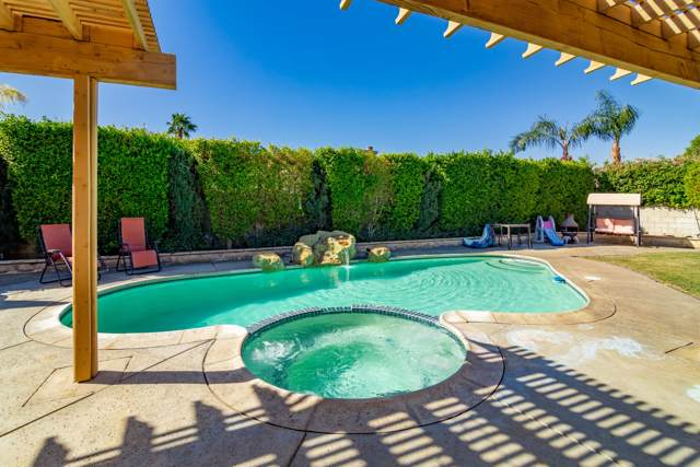 87 Sedona Court, Palm Desert, CA 92211 (MLS #219037205) :: Brad Schmett Real Estate Group
