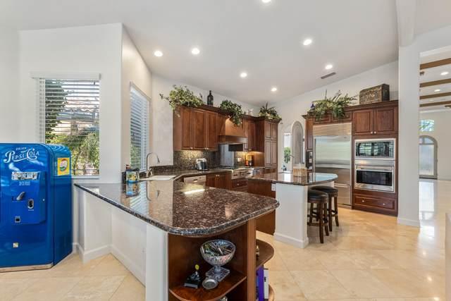 6 Porto Cielo Court, Rancho Mirage, CA 92270 (MLS #219038357) :: The Sandi Phillips Team