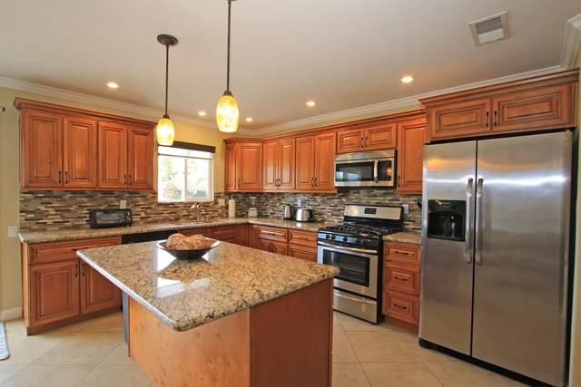 74292 Primrose Drive, Palm Desert, CA 92260 (MLS #219039272) :: Brad Schmett Real Estate Group