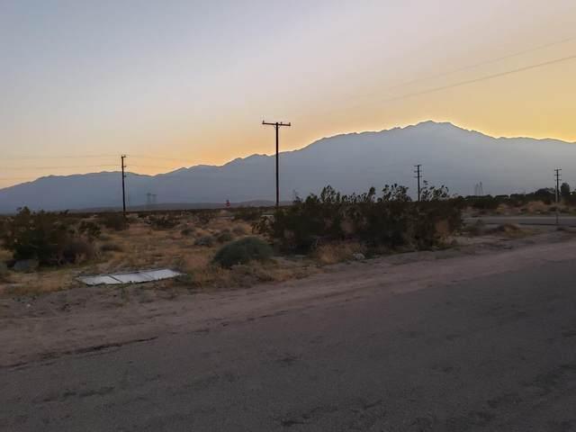 9 Sycamore Road, Desert Hot Springs, CA 92240 (#219039433) :: The Pratt Group