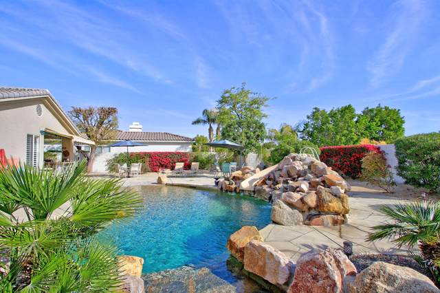 4 Yorkshire Court, Rancho Mirage, CA 92270 (MLS #219039781) :: The John Jay Group - Bennion Deville Homes