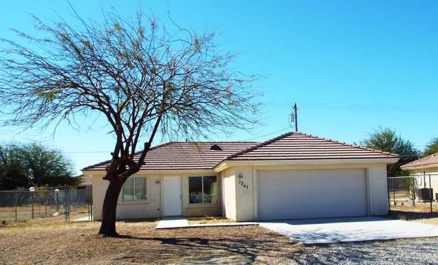 1361 Carpenteria Avenue, Salton City, CA 92275 (MLS #219040830) :: The Sandi Phillips Team