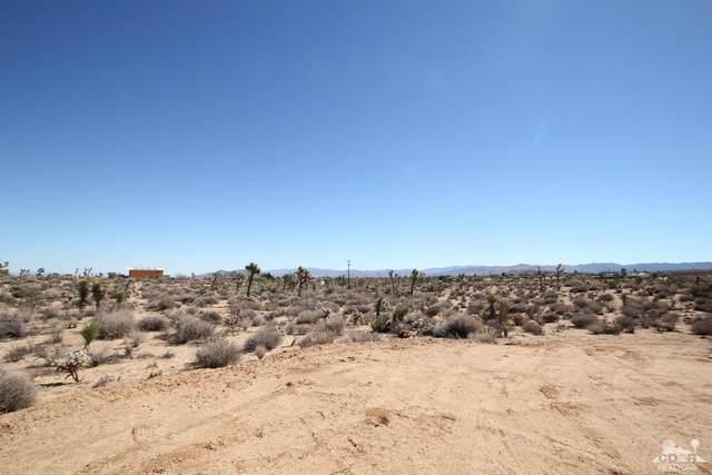 3 Parcels Warren Vista 13 Acres, Yucca Valley, CA 92284 (MLS #219041417) :: The Jelmberg Team