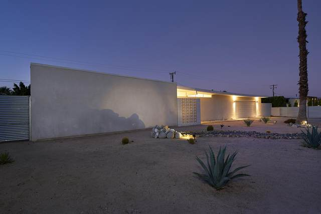2326 E Finley Road, Palm Springs, CA 92262 (MLS #219041612) :: The John Jay Group - Bennion Deville Homes