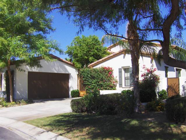 80718 Via Glorieta, La Quinta, CA 92253 (MLS #219041716) :: The John Jay Group - Bennion Deville Homes