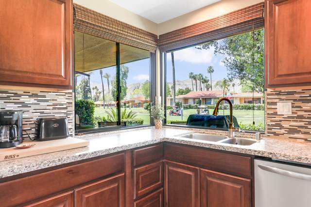 22 La Ronda Drive, Rancho Mirage, CA 92270 (MLS #219042029) :: The Sandi Phillips Team