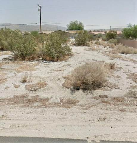 0 Tumbleweed Trail, Desert Hot Springs, CA 92240 (#219043616) :: The Pratt Group
