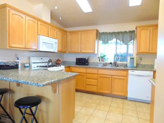 73450 Country Club Drive #322, Palm Desert, CA 92260 (MLS #219043752) :: Brad Schmett Real Estate Group
