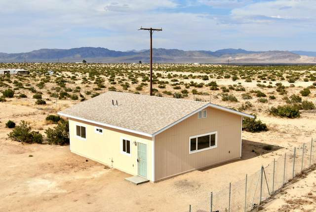 67710 Winters Road, 29 Palms, CA 92277 (MLS #219043985) :: The John Jay Group - Bennion Deville Homes