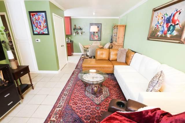 2812 N Auburn Court, Palm Springs, CA 92262 (MLS #219044050) :: Brad Schmett Real Estate Group