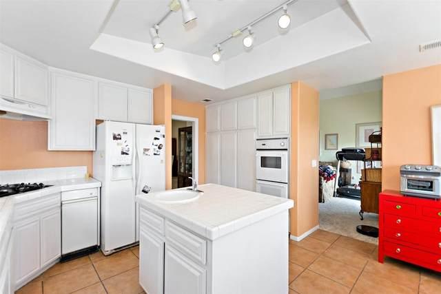 9661 Siwanoy Drive, Desert Hot Springs, CA 92240 (MLS #219045119) :: Brad Schmett Real Estate Group