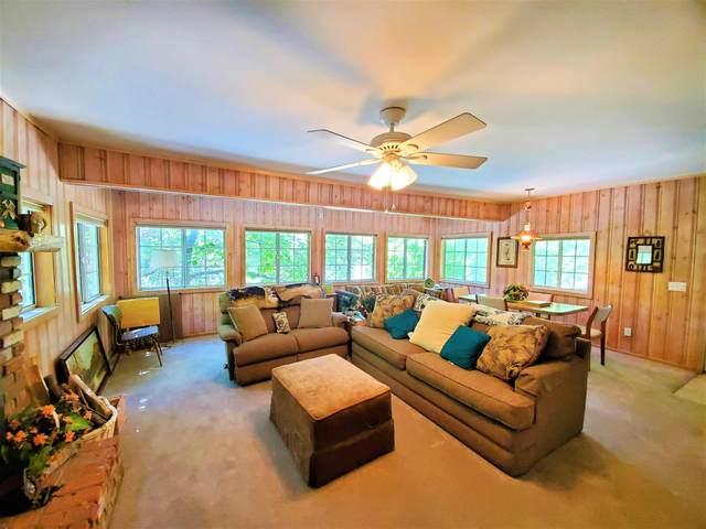 853 Lake Drive, Lake Arrowhead, CA 92352 (MLS #219045455) :: Hacienda Agency Inc