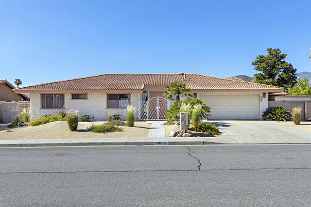 3385 E San Martin Circle, Palm Springs, CA 92264 (#219045478) :: The Pratt Group