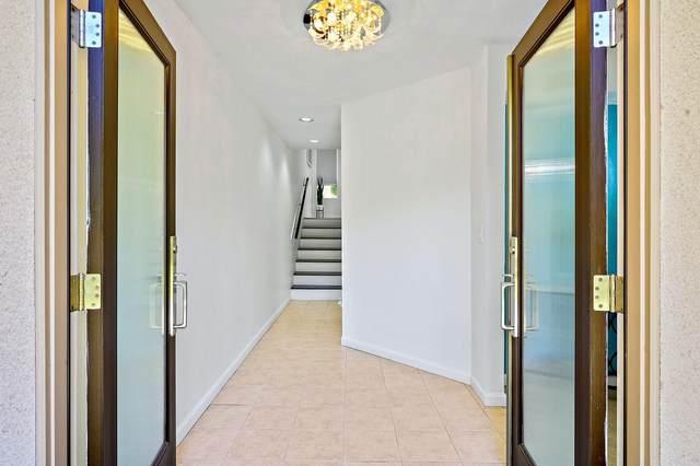 477 Village Square, Palm Springs, CA 92262 (MLS #219045812) :: Brad Schmett Real Estate Group