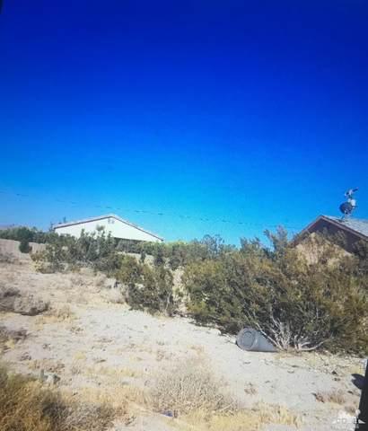 16376 Ave Atezada, Desert Hot Springs, CA 92240 (MLS #219046586) :: Brad Schmett Real Estate Group