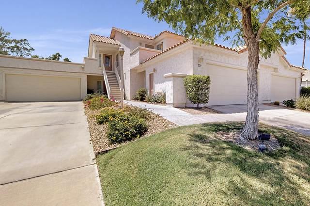 227 Desert Falls Drive, Palm Desert, CA 92211 (MLS #219047062) :: The Sandi Phillips Team