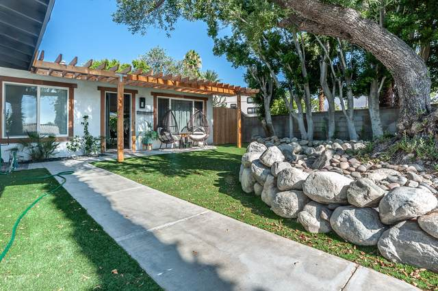 2115 N Cardillo Avenue, Palm Springs, CA 92262 (MLS #219047131) :: The John Jay Group - Bennion Deville Homes