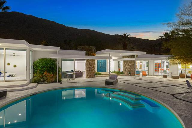 445 S Monte Vista Drive, Palm Springs, CA 92262 (MLS #219047634) :: Brad Schmett Real Estate Group